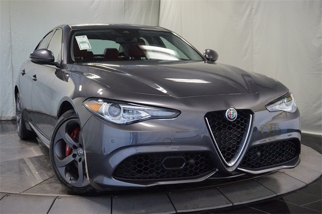 new 2018 alfa romeo giulia sport sedan in highlands ranch a565624 mike ward alfa romeo. Black Bedroom Furniture Sets. Home Design Ideas